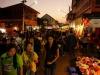 Der bunte Nachtmarkt von Lampang: Thais lieben das nächtliche Shopping