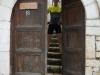 Pforte zu unserem geschichtsträchtigen Gasthaus in Berat