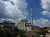 Auch ein Moschee-Dach muss mal geputzt werden
