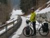 Schnee auf dem Radweg
