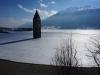 Der zugefrorene Reschensee