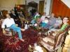Tee, Früchte, Dessert, Gedichte und mitternächtliches Karaoke: Zu Gast bei einer iranischen Familie