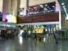 Der Nachtzug führt uns bequem von Tabriz nach Teheran, wo wir in der Bahnhofshalle auf den weltgrössten Koran treffen :-)