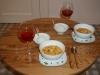 Wir erholen uns am Abend bei einem exquisiten selbstgemachten Thai-Curry. Unglaublich, hier gibt es Kokosmilch und Currypaste...