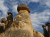 ...Erosion, Wind und Wasser haben fantastische Formen hervorgebracht: bis zu 30 Meter hohe Kamine, Kegel und Pyramiden