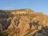 Das vulkanische Material lässt die Landschaft in rot, gelb, ocker, grau-grün und weiss schimmern