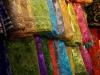 ...denn die Stoff-Basare von Shiraz sind genau so grell und bunt