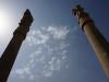 Nach einer halsbrecherischen Taxifahrt treffen wir in Persepolis ein