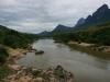 Der 448 Kilometer lange Nam Ou ist für Nordlaos eine wichtige Verkehrsader, da viele Orte noch nicht ans Strassennetz angebunden sind.