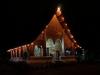 In Laos sind die Tempel nicht nur bunt verziert, sondern auch kunstvoll bemalt