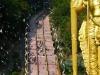 Die Batu Caves von Kuala Lumpur ziehen an hinduistischen Festen Millionen von Gläubigen an