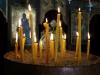 Wir zünden eine Kerze an
