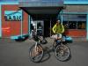 Christchurch hat Dutzende von Veloläden, aber gerade ein Mech hat Zeit für unser Bremsenproblem