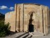 Das touristische Angebot von Tercan überrascht: Wir besichtigen die schöne seldschukische Karawanserei und diesen Grabbau aus dem 13. Jahrhundert