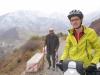 Aufstieg zum ersten osttibetischen Pass. Herr Uigur kennt die Wetterprognosen wohl besser als wir...