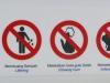 Fragt sich, was strenger bestraft wird: Kaugummi oder Küssen?