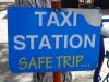Oje, die Taxifirma wünscht viel Glück vor der Fahrt?