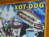 ...irgendwie muss man ja den Xot-Dog runterspülen!