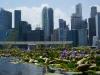 Hier frönen die Singapurer ihrer Lieblingsbeschäftigung: Luxus-Shopping mit dem Geld, das zuvor in den Bürotürmen verdient werden muss