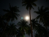 Der Mond ist aufge-gaaangen, die gold'nen Sternlein praaangen