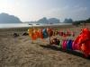 Der Strandort Pak Meng ist komplett auf thailändischen Tourismus ausgerichtet...