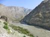 ...und treffen bald auf den wilden Panj. Auf der anderen Fluss-Seite lockt das Trekking-Paradies Afghanistan ;-)