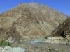 Das klare Wasser aus dem afghanischen Seitental hat keine Chance