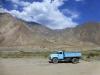 Die tadschikischen Laster Marke Eigenbau sind immer hellblau