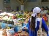 Auf dem gut bestückten Basar in Khorog ist Christian mittlerweile beliebter Stammkunde
