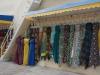 ...werden die farbenfrohen Kleider der Turkmeninnen präsentiert