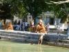 Lyabi-Hauz ('around the pool'), eine friedliche Oase mitten in der Stadt, wo die mutigen Buben vom Baum in den Teich springen