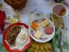 Usbekisches Frühstück - hey, nach der iranischen Variante ist das direkt üppig!