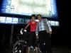 Morgens um 4 Uhr in Samarkand: Der rumlungernde Taxifahrer will unbedingt mit aufs Bild