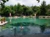 Gesundheitsbad in der Naturtherme. Mit dem netten Herrn im Pool führte ich eine längere Unterhaltung in Türkisch. Seine Frau ist in der Burka ins Wasser gestiegen...
