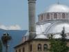 Kurz nach diesem Storchen-Foto werden wir mit Nüssen, Feigen, Früchten, Wasser und guten Reisetipps beschenkt: Das ist türkische Gastfreundschaft!