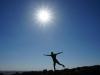 ... während draussen die Sonne erbarmungslos auf einen Velofahrer der Gattung 'Stehmännchen' niederbrennt